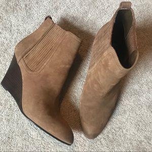 Sam Edelman Gillian suede leather wedge bootie 9.5